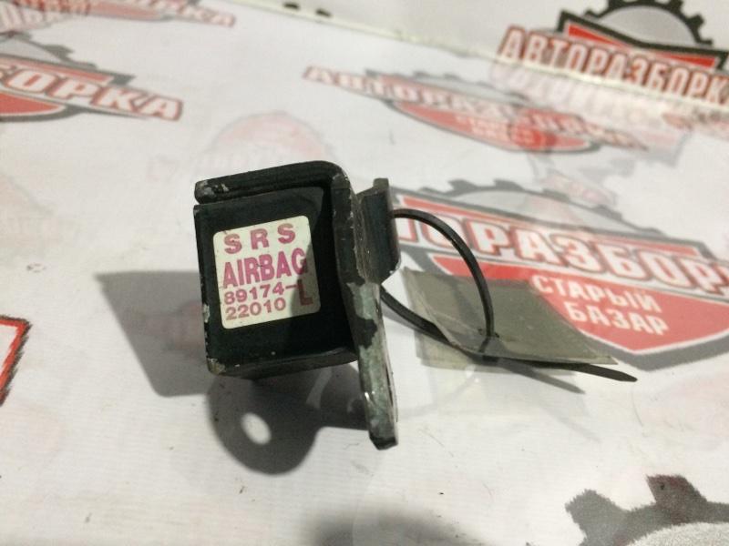 Датчик airbag Toyota Mark Ii JZX100 (б/у)