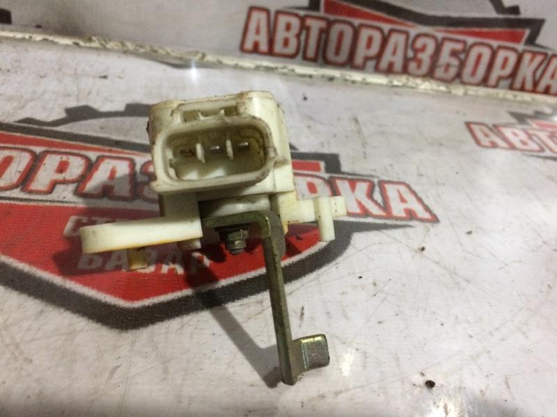 Лягушка тормозная Toyota Vitz NCP10 (б/у)
