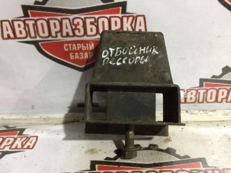 Отбойник рессоры Isuzu Elf NKR81 4HL 2005 задний (б/у)