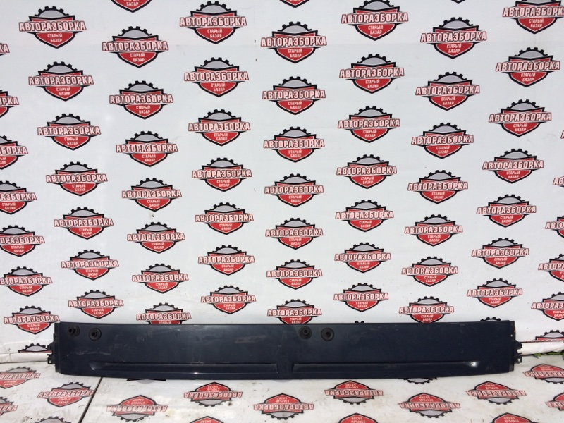 Решетка дворников (жабо) Mitsubishi Fuso Canter FE83DGY 4M50 2011 (б/у)