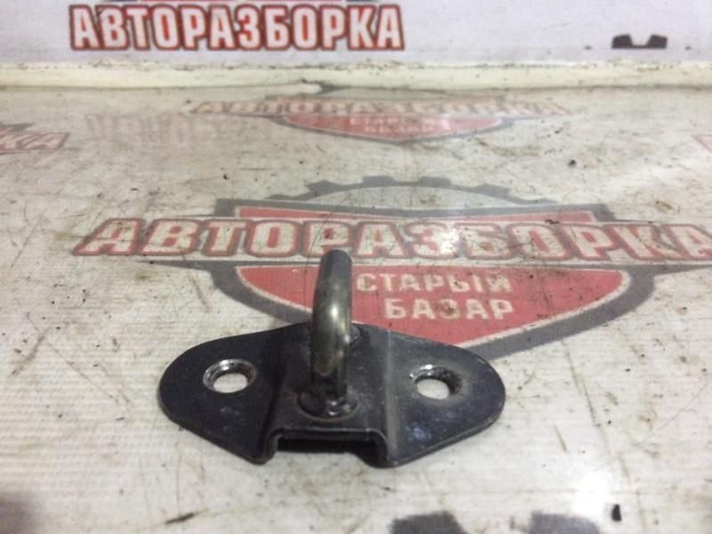 Петля замка багажника Mazda Bongo SKP2V L8 2015 (б/у)
