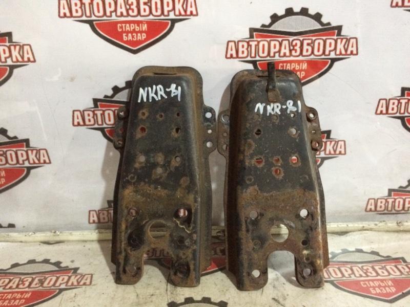Крепление амортизатора Isuzu Elf NKR81 4HL 2005 переднее (б/у)