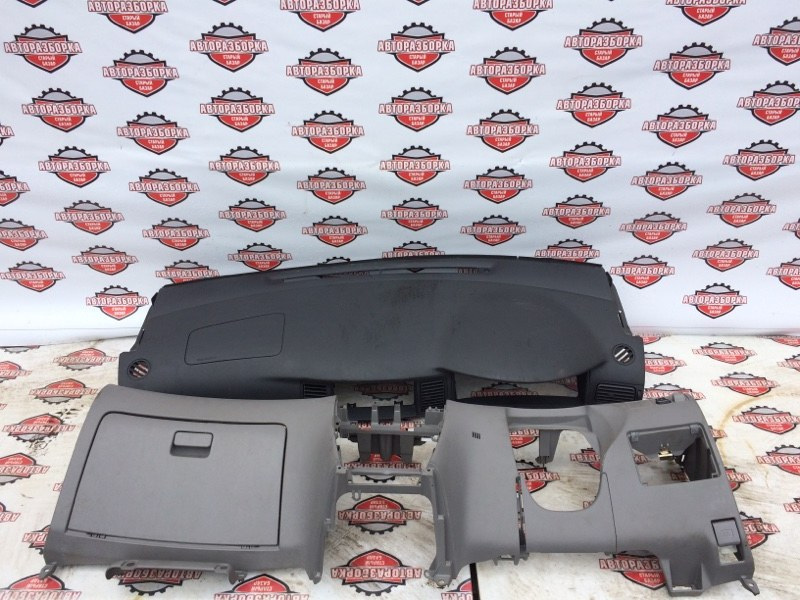 Панель приборов Toyota Corolla NZE121 1NZ-FE 2001 (б/у)