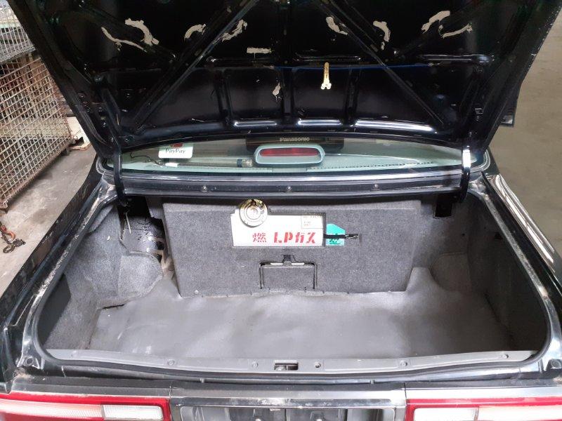 Обшивка багажника Nissan Cedric CMJY31 RB20(P) 2001 (б/у)