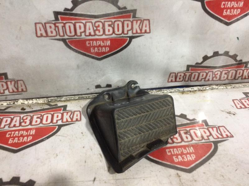 Подставка под ногу Toyota Sprinter Carib AL25 3AU (б/у)