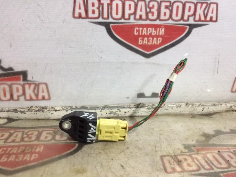 Датчик удара Toyota Prius Alpha ZVW41W 2ZR-FXE 2012 (б/у)