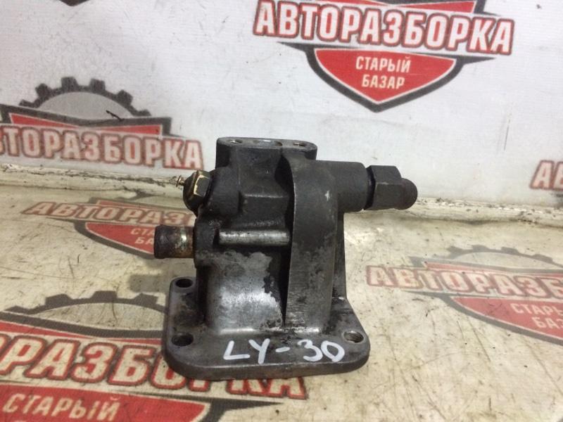 Корпус термостата Toyota Toyo Ace LY30 (б/у)