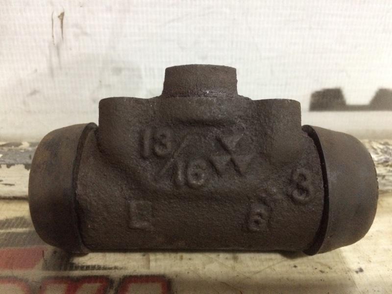 Цилиндр тормозной рабочий Mitsubishi Lancer C34W задний левый (б/у)