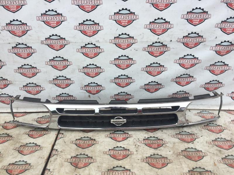 Решетка радиатора Nissan Terrano LR50 VG33E 1996 (б/у)