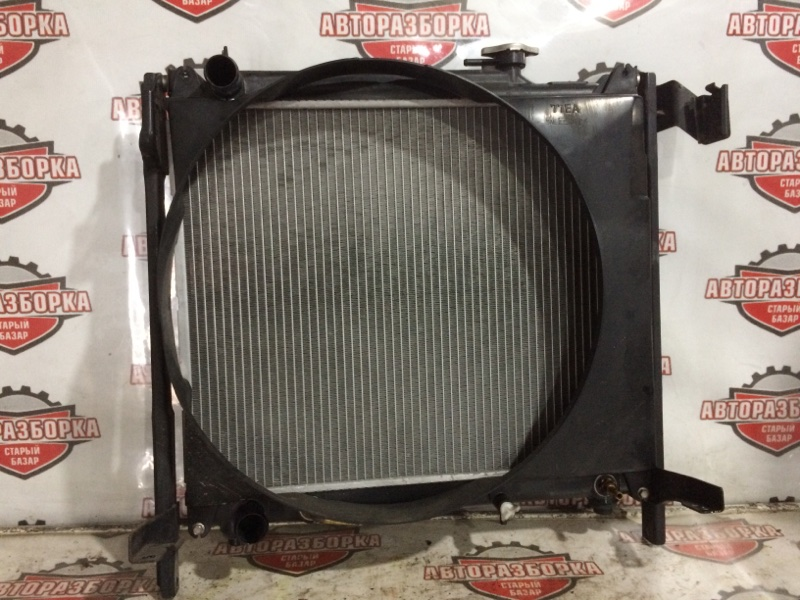 Радиатор охлаждения двигателя Suzuki Escudo TL52W J20A 2002 (б/у)
