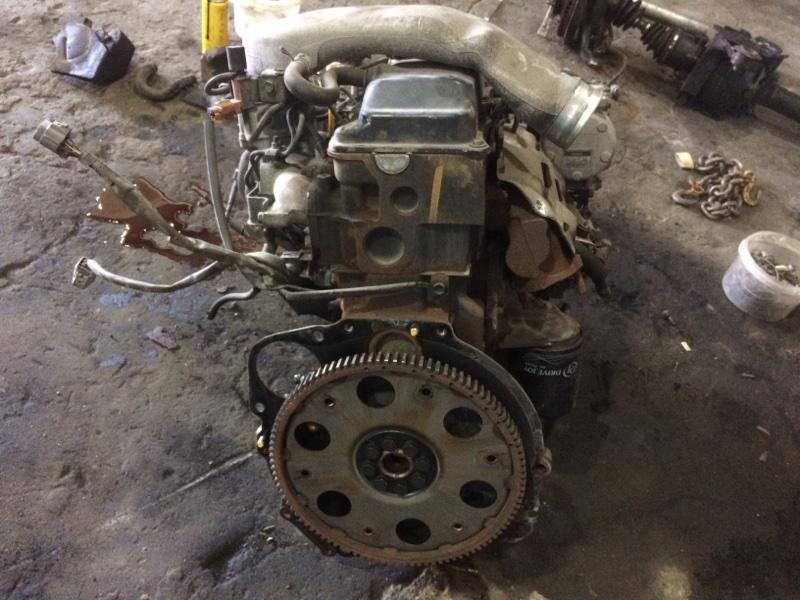 Двигатель в сборе Toyota Hiace LH186 5L 2001 (б/у)