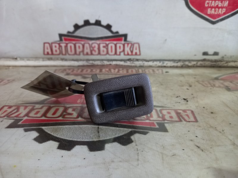 Кнопка стеклоподъемника Toyota Carina AT170 5AFE (б/у)