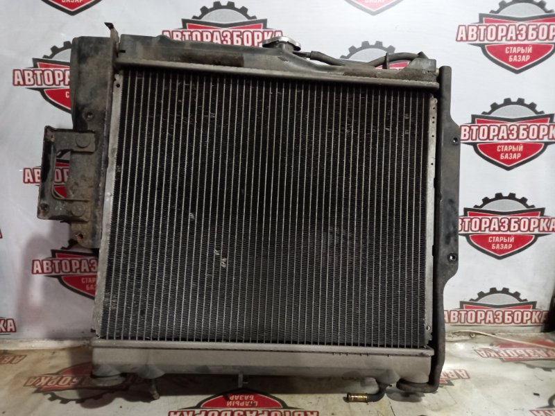 Радиатор охлаждения двигателя Suzuki Jimny JB23W K6A 2001 (б/у)