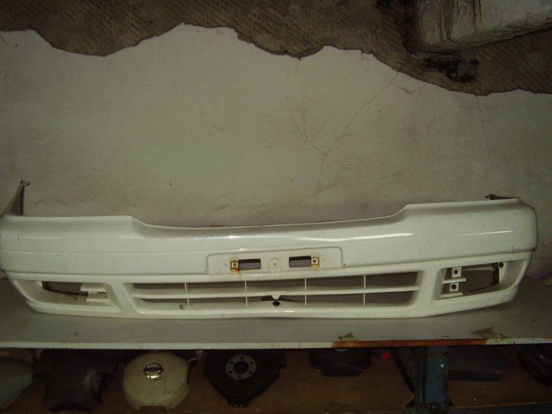 Бампер Toyota Crown Comfort SXS13Y передний