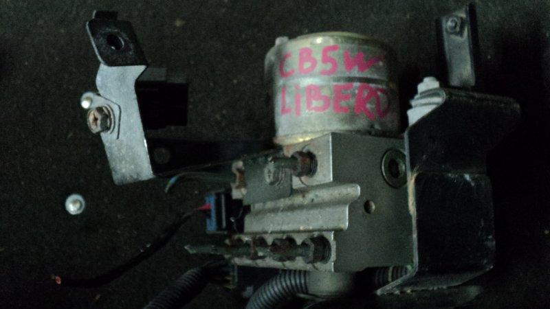 Блок abs Mitsubishi Libero CB5W передний