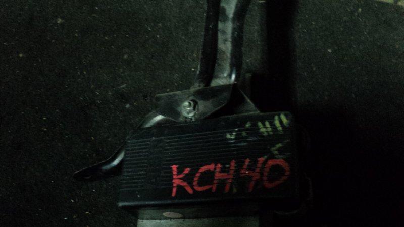 Блок abs Toyota Grand Hiace KCH10W
