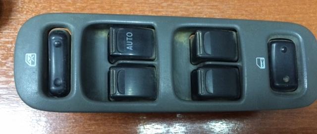 Блок управления стеклоподьемниками Daihatsu Terios J111G EF-DET передний правый