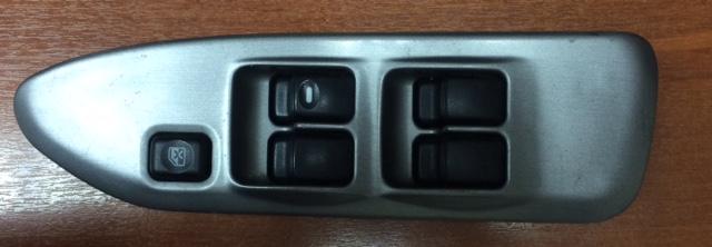 Блок управления стеклоподьемниками Mitsubishi Lancer CS2A 4G93 передний правый