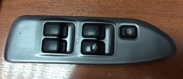 Блок управления стеклоподьемниками Mitsubishi Lancer CS2A 4G15 передний правый