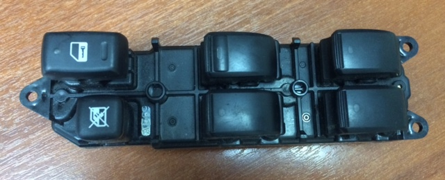 Блок управления стеклоподьемниками Toyota St NCP60 передний правый