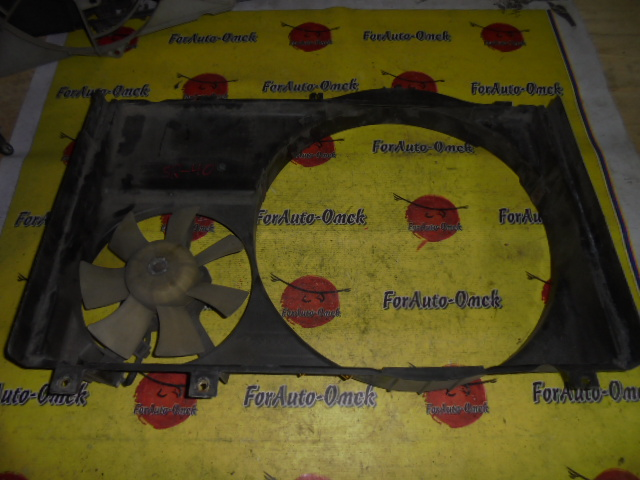 Диффузор радиатора Toyota Townace Noah SR40G 3S-FE