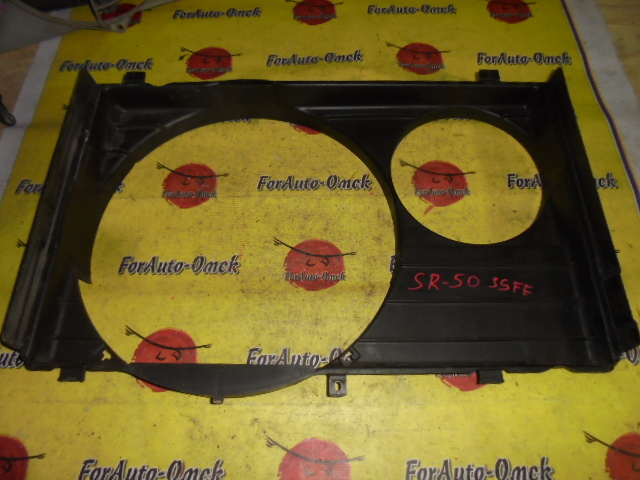 Диффузор радиатора Toyota Townace Noah SR50G 3S-FE
