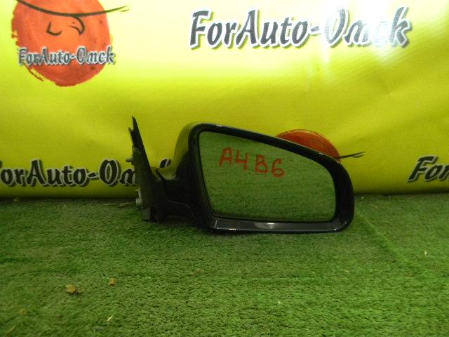 Зеркало Audi A4 8E правое