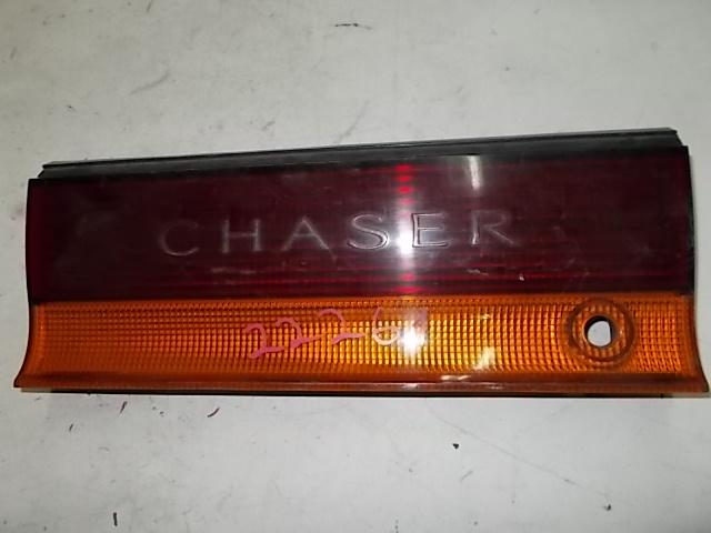 Катафот м/у стопов Toyota Chaser GX90 1G-FE
