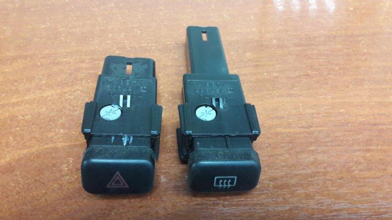 Кнопка аварийной сигнализации Toyota Sprinter AE110 5A-GE