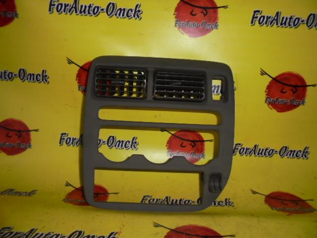 Консоль магнитофона Honda Capa GA4 D15B
