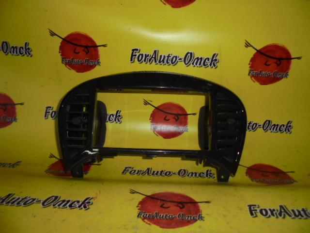Консоль магнитофона Nissan Juke F15