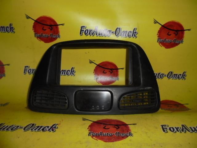 Консоль магнитофона Toyota Townace Noah SR40G 3S-FE