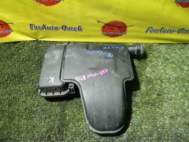 Корпус воздушного фильтра Toyota Aygo KGB10 1KR-FE