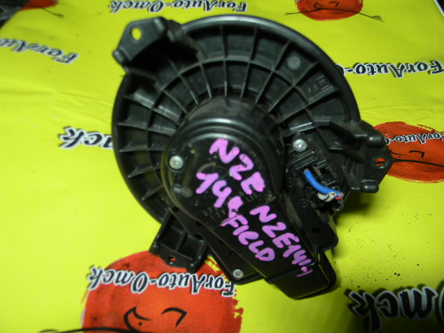 Мотор печки Toyota Fielder NZE141