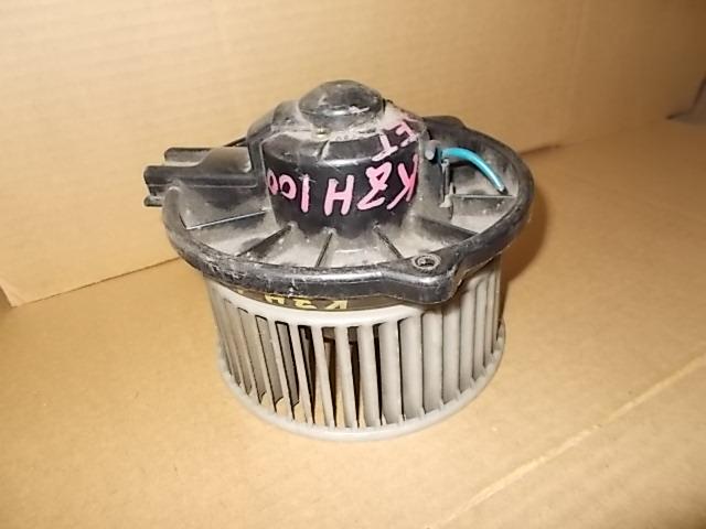 Мотор печки Toyota Hiace KZH100G