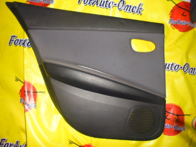 Обшивка дверей Nissan Primera TP12 QR20DE задняя левая