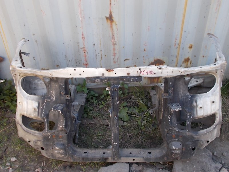 Рамка радиатора Toyota Hiace Regius KCH40W 1KZ-TE