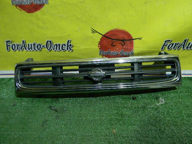 Решетка радиатора Nissan Prairie Joy PNM11