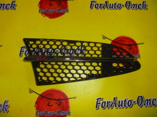 Решетка радиатора Subaru R2 RC1 левая