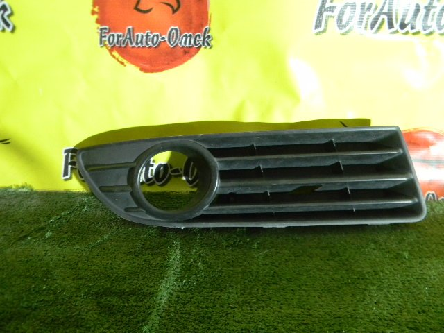 Ободок туманки Volkswagen Polo 9N правый (б/у)