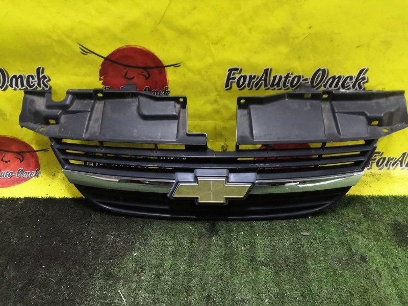 Решетка радиатора Suzuki Chevrolet Cruze HR51S (б/у)