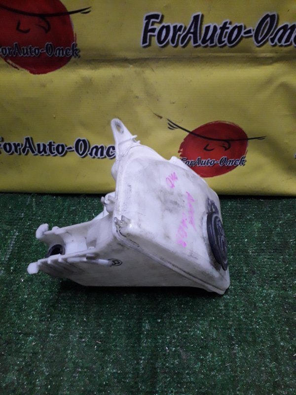 Бачок омывателя Toyota Sprinter Carib AE111 4A-FE (б/у)