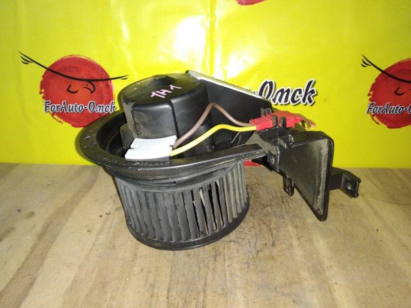 Мотор печки Volkswagen Golf 1H1 (б/у)