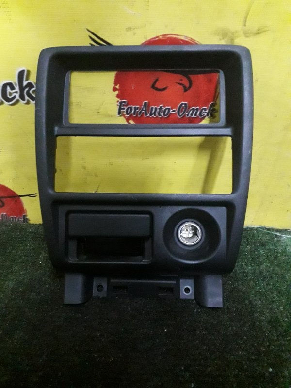 Консоль центральная Mazda Demio DW5W B5 1996 (б/у)