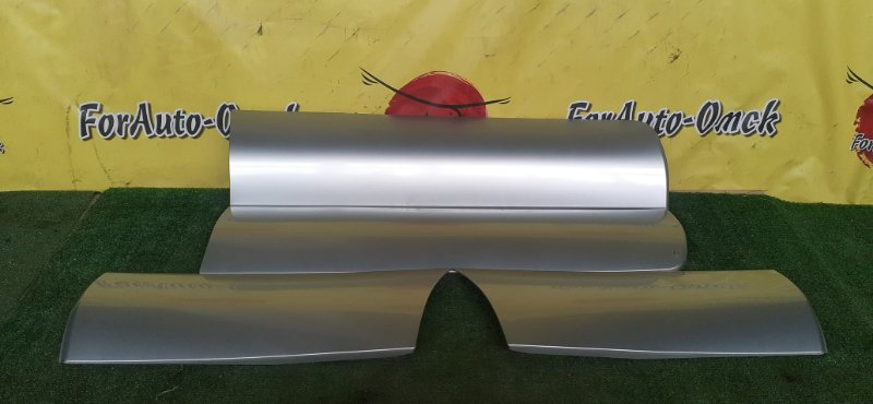 Накладка на дверь Subaru Forester SG5 EJ205 2003 (б/у)