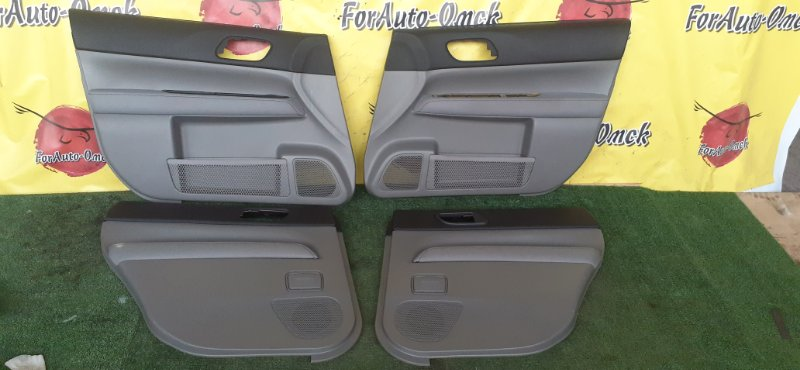 Обшивка дверей Subaru Forester SG5 EJ205 2003 (б/у)