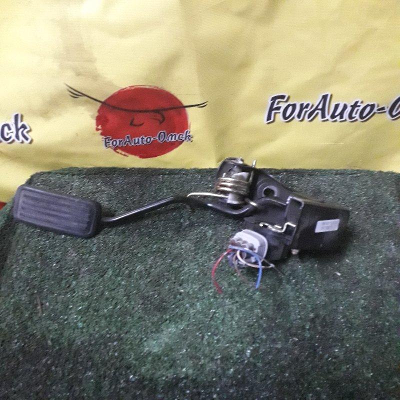 Педаль газа Toyota Vitz SCP13 2SZ-FE 2003 (б/у)