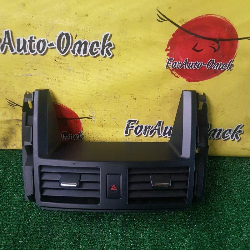 Дефлектор центральный Nissan Teana TNJ31 QR25DE 2007 (б/у)