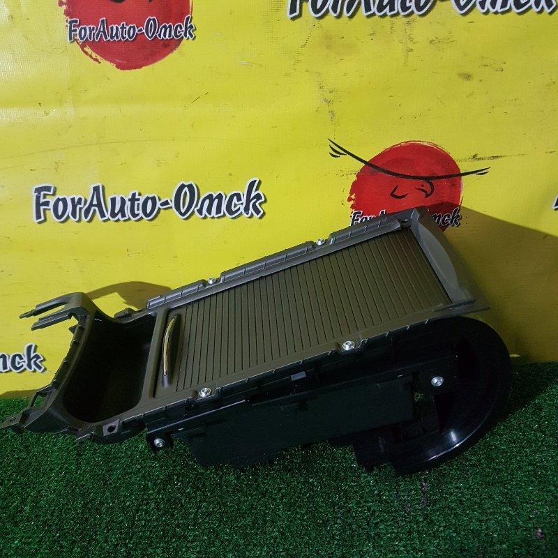 Бардачок между сиденьями Honda Civic FD1 R18A 2005 (б/у)