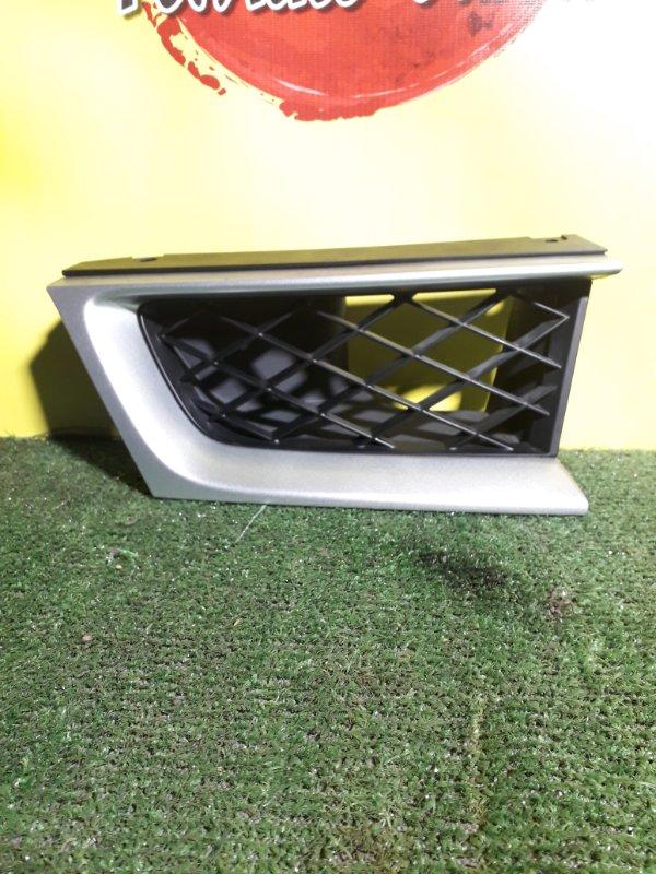 Решетка радиатора Subaru Impreza GD2 правая (б/у)